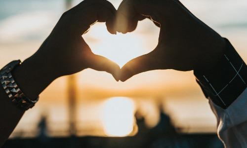 Plus de 100 citations inspirantes sur l'amour et les relations amoureuses